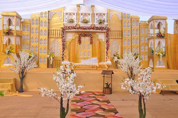 Photo of ethnic fusion theme wedding decor