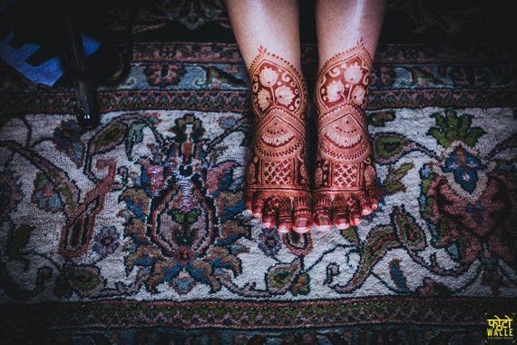 Photo of Cool bridal feet mehendi design