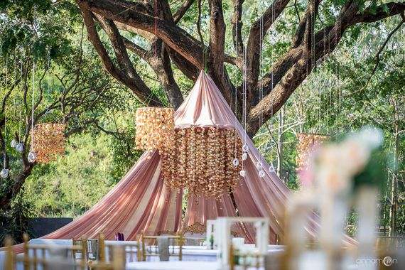 Photo of Stageless decor idea with tent type