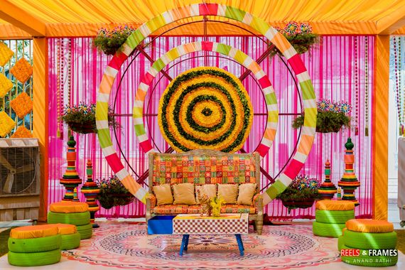 Photo of Mehendi photobooth cum bridal seat idea