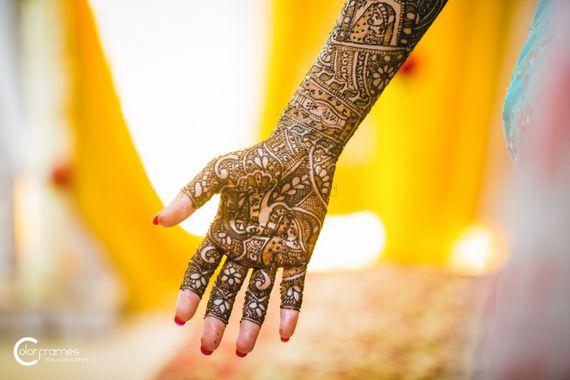 Photo of Bridal Hand Mehendi Design - Abstract