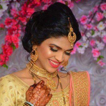 Ruhika Marathi Bride - KritisBride Pictures | Bridal Makeup