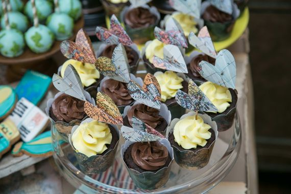 Photo of Chocolate Cupcake with Rostte Decor as Favors