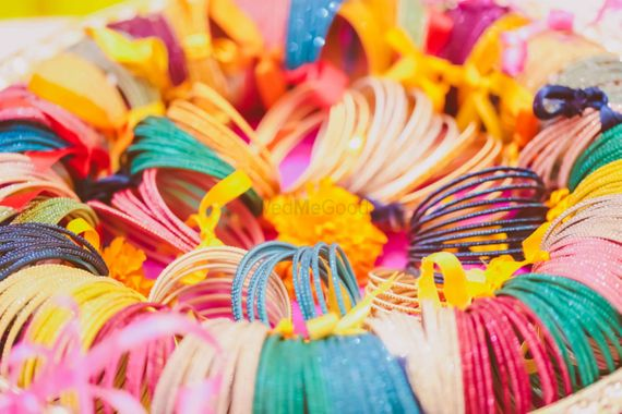 Photo of bangles as mehendi favors