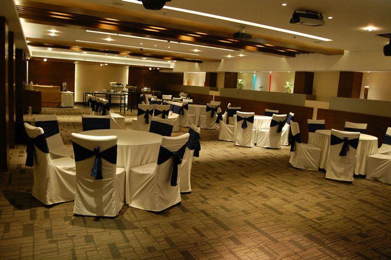 Maya Hotels Chandigarh Banquet Wedding Venue With Prices
