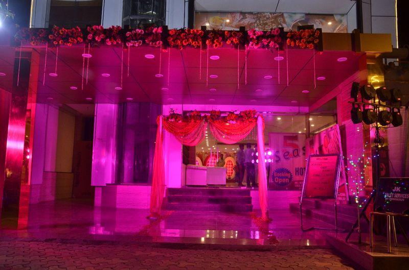 Seas Hotel And Banquet Delhi Ncr Wedding Venue In Delhi Ncr