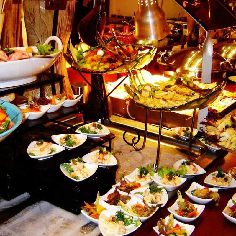 Wedding Caterer: Oliver Caterers - Price & Reviews