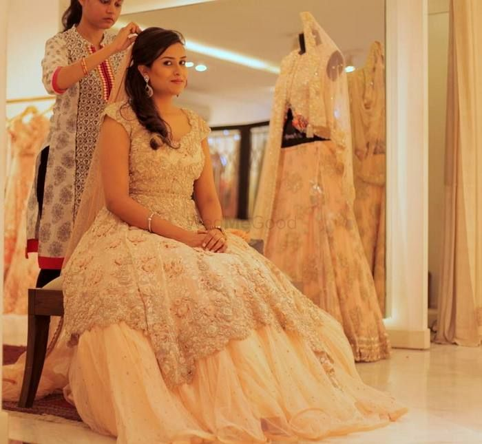 Red Carpet Bride with Dolly J : Jasmeets Reception Shoot