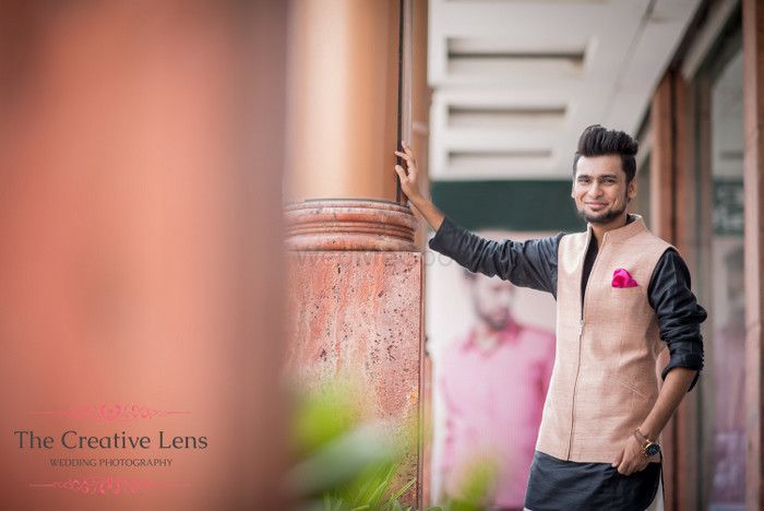Red Carpet Groom at Dhruv Vaish: Salmon and Smart!