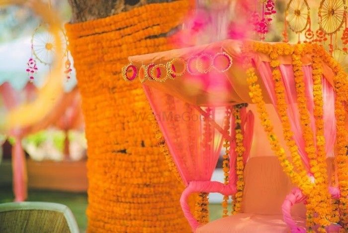 Wedmegood best indian wedding blog for planning ideas 8 new fun ways to use bangles in your mehendi decor diy alert junglespirit Gallery