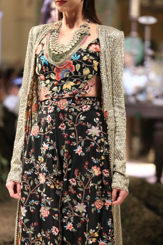 Anamika Khanna at India Couture Week 2016: Vision in White!