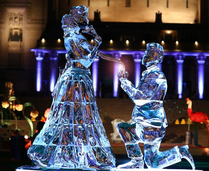Everything You Need to Know About Having an Ice Sculpture at Your Wedding! *Coz They're Soooo In Trend!