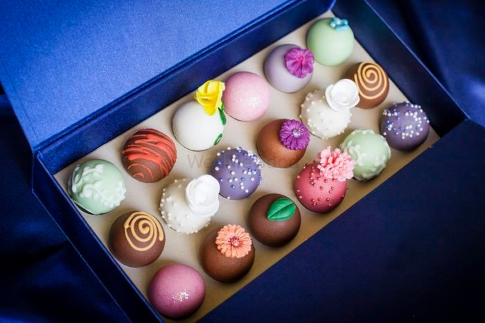 Contact These Bakeries For The Most Perfect Wedding Favours!