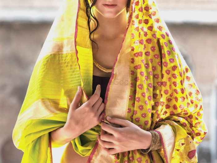 5 Amazing Places To Buy Contemporary Saris For Weddings !