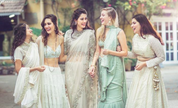 All The Dramatic Photos To Take With Your BFFs On Your Wedding Day!