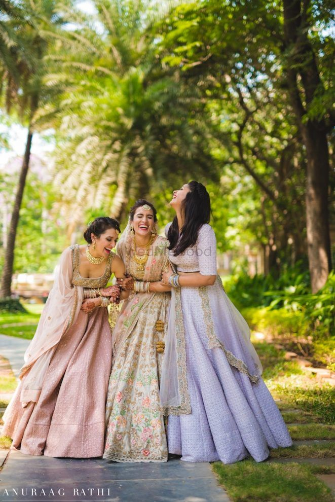 This Blogger Bride Had The Prettiest Shoot With Her Bridesmaids!