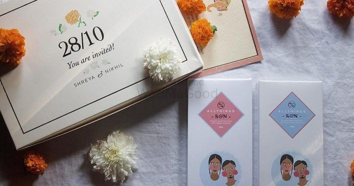 11 Cool Labels That Are Perfect For Your Wedding Card Favors!