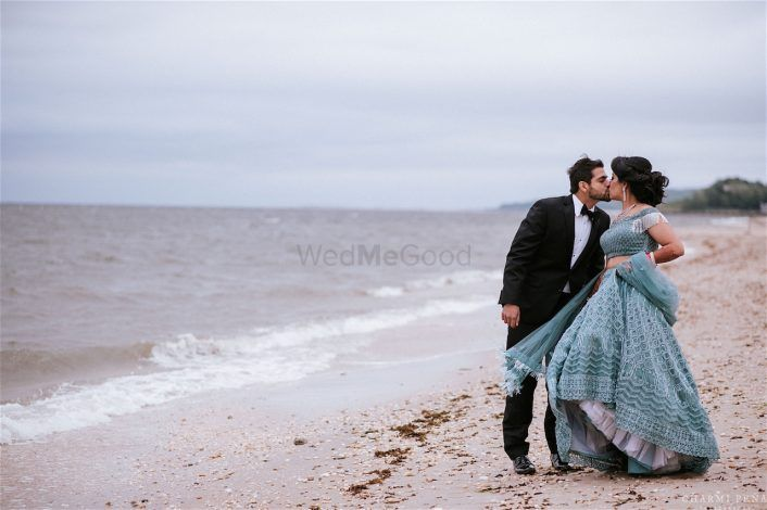 Gorgeous NRI Wedding With A Bride In Personalised Outfits!