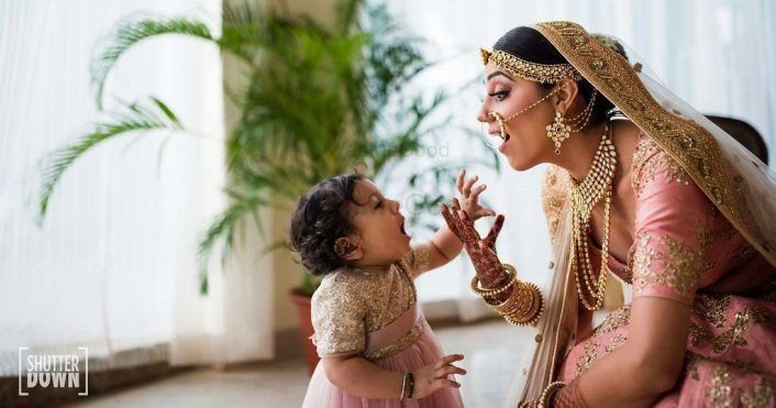 Reinvent Boring Family Shots: These Are The Cutest Pics To Click With Your Nephews & Nieces