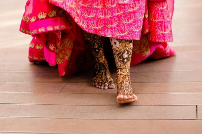 Trendy New Bridal Feet Mehendi Designs! *From Subtle To Over-The-Top!