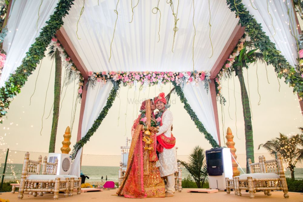These Travel Freaks Had Country Themed Functions At Their Goa Wedding!