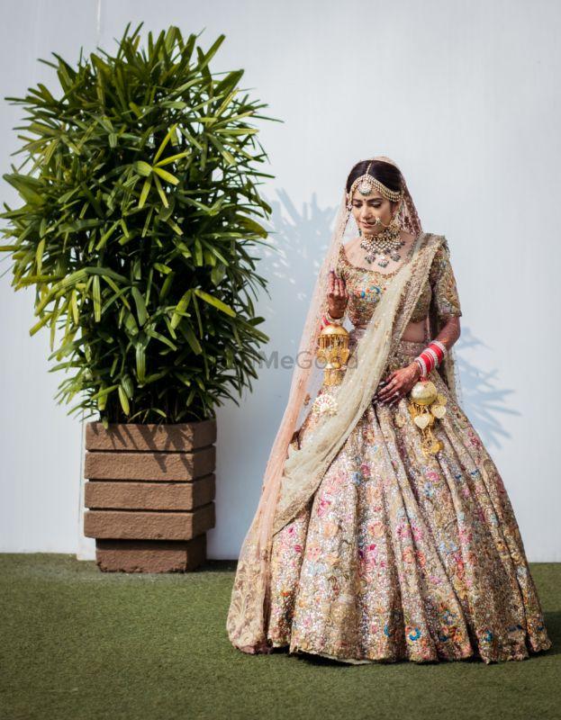 Elegant Mumbai Wedding With The Bride In A Beautiful Pastel Pink Lehenga