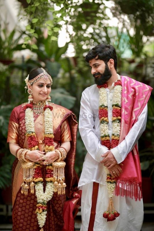 A Cross Culture Wedding With The Bride In A Traditional Kanjeevaram and Kaleere!