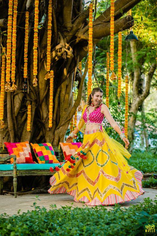 Intimate Goa Wedding With Vivid Decor & Gorgeous Outfits